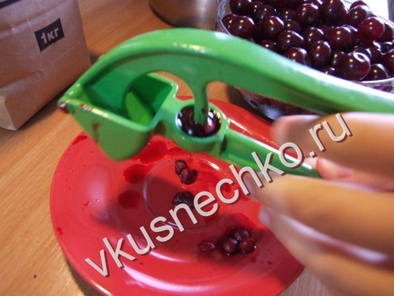 Пошаговый рецепт Вишневое варенье без косточек с фото, как приготовить из ингредиентов: вишня - вкуснечко