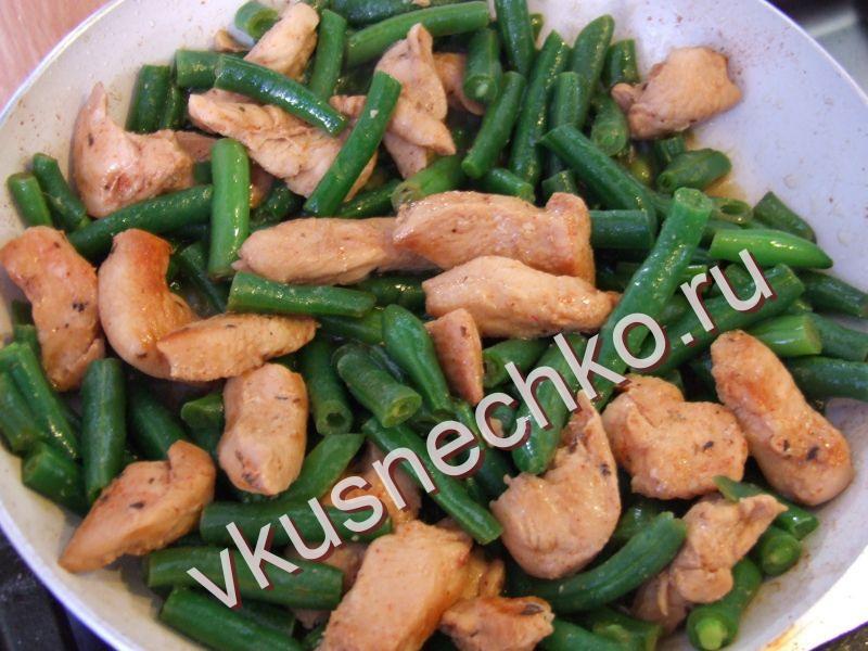 Салат с фасолью стручковой и курицей рецепт 48
