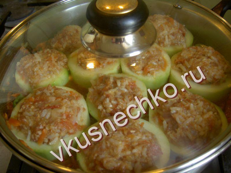 Кабачки фаршированные на сковороде рецепт